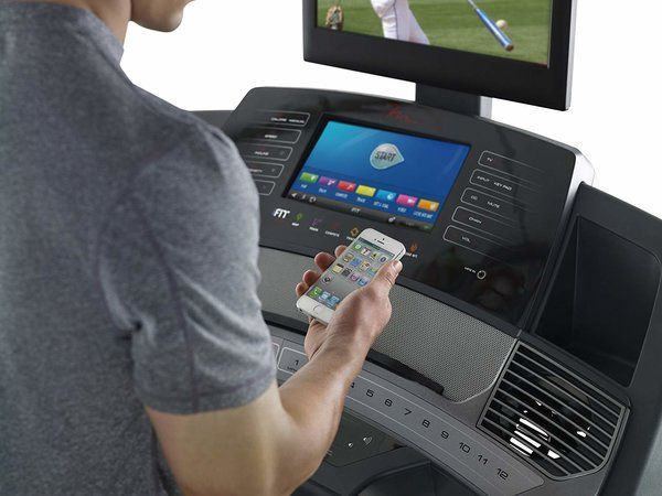 FreeMotion 890 Treadmill With High-Definition TV