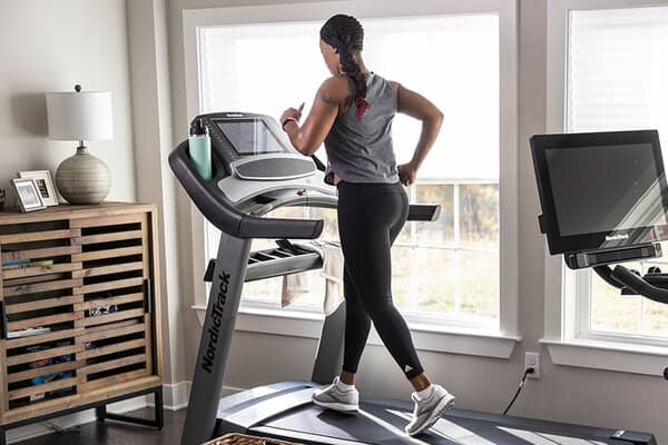 protect your knees on a treadmill